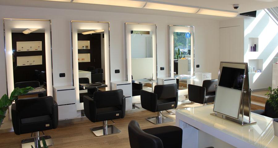 Negozio commerciale for Arredo parrucchiere